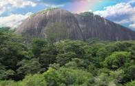 Raleighvallen en Voltzberg in Suriname