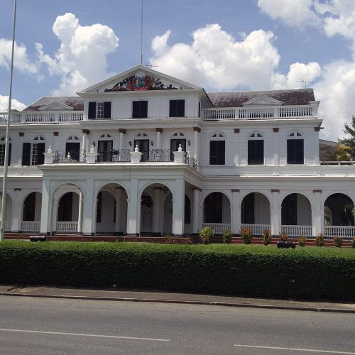 Staatsvorm in Suriname